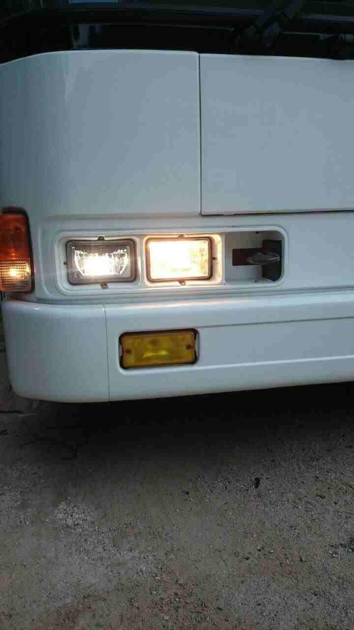 LEDヘッドライト交換路線バス