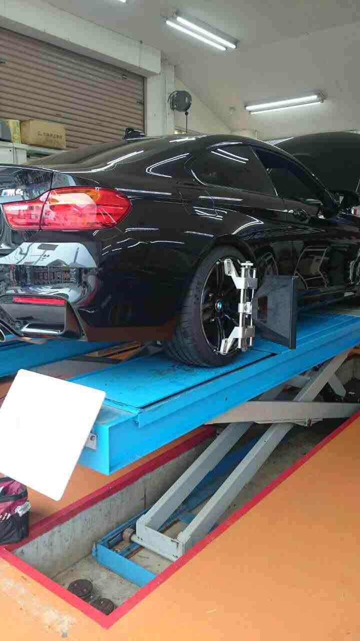 アライメント調整BMW M4